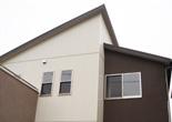 シャープなシルエットのシンプルモダン住宅