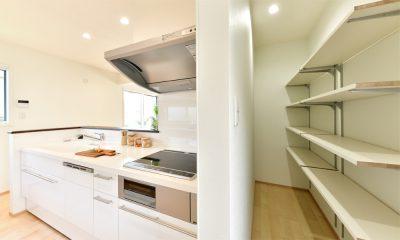 キッチンの大容量パントリー